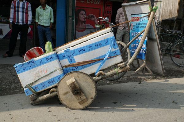 Auch das ist Indien 2015 - ein Holzrad...
