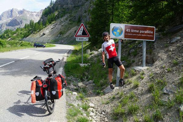 Im  Aufstieg zum Lauterat/Galibier überquere ich den 45 Breitengrad und bin somit zwischen Äquator und Nordpol...
