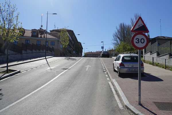 17% Steigung !!! in der Innenstadt von Segovia - ihr dürft mir glauben, ich bin die Steigung gefahren - aber nicht schneller als 30 Kmh...