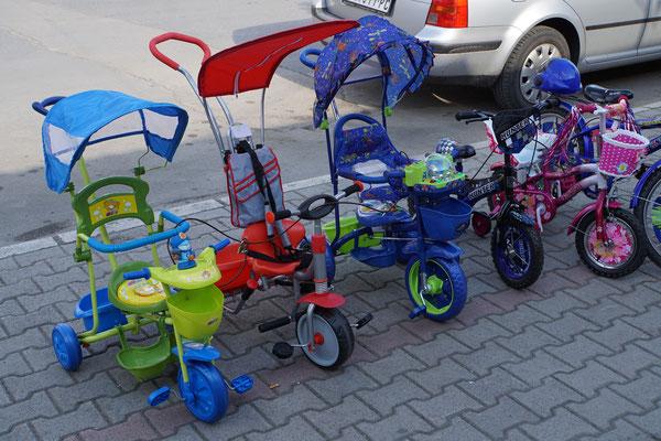 So fängt in Serbien an, wer RadfahrerIn werden will...