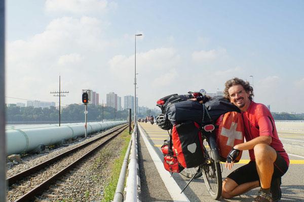 Auf dem Causeway in Richtung Singapur...