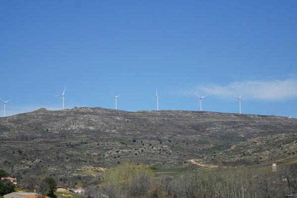 Immer wieder Windkraftwerke - es gibt auch immer wieder Solarkraftwerke - das finde ich einfach nur SUPER...!