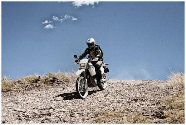 Namibia mit einer Suzuki DR
