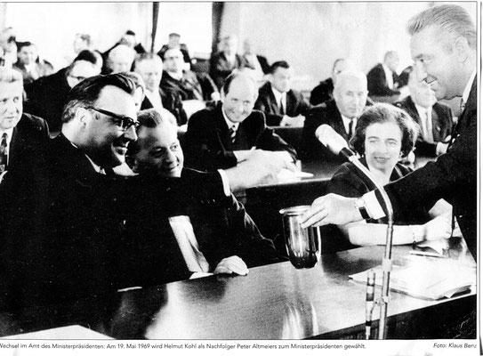 Susi bei einer Landtagssitzung