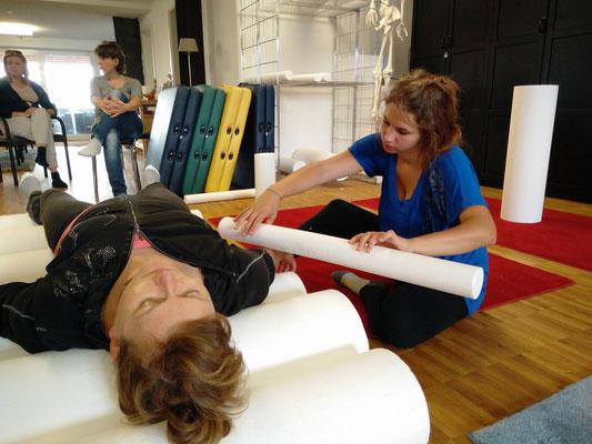 Marielle Faber und Martina-Riccarda Niklis beim NeuroScanBalance Basistraining