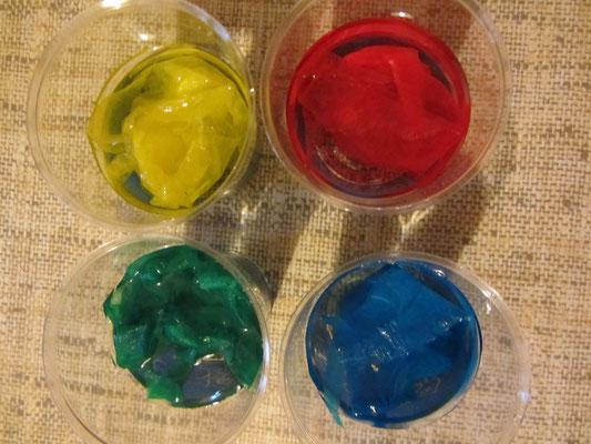 Barwienie bibułą