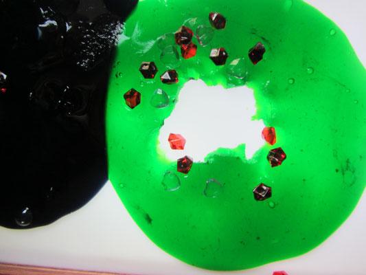 Gluty na stoliku podświetlanym