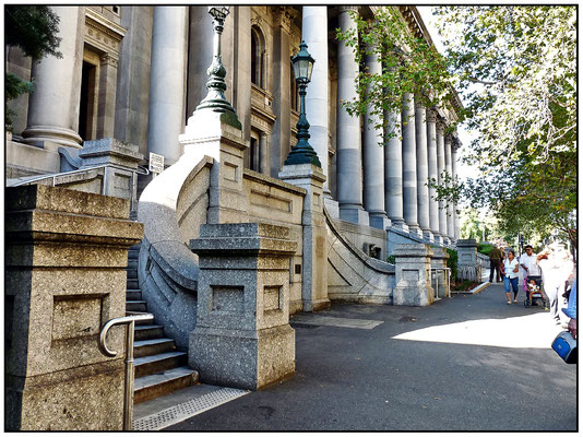 North Terrace. Parlamentshaus