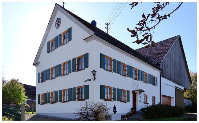 Ein schön renoviertes ehemaliges Bauerenhaus in Breitenthal.
