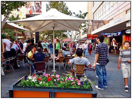 Strassencafe in der Rundel Mall