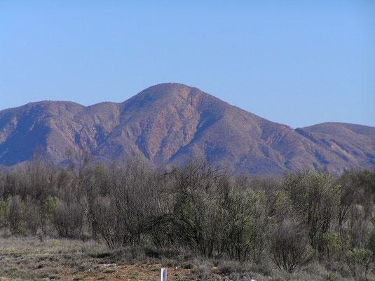 Die MacDonnell Ranges sind eine Bergketten in Zentralaustraliens mit der Stadt Alice Springs im Zentrum.
