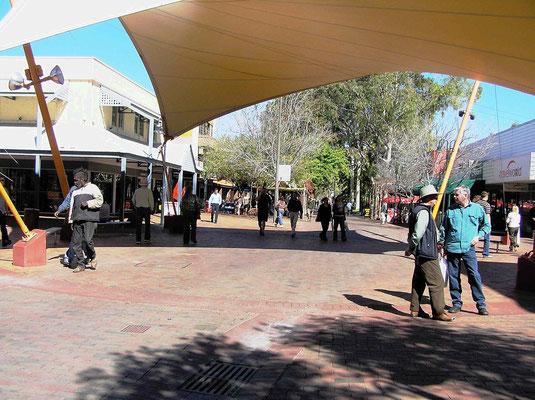 Alice Springs versteht sich heute als urbanes Zentrum mit gut entwickelter touristischer Infrastruktur.