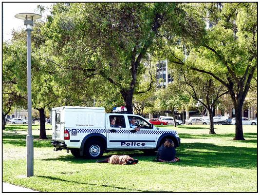 Die Polizei schaut nach dem Rechten.