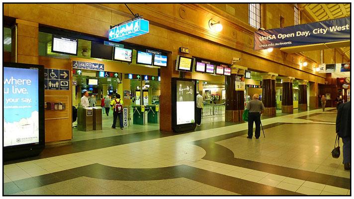 North Terrace. Bahnhofshalle