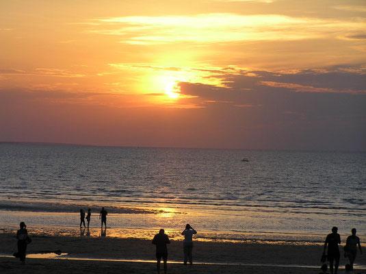 Richtig, auf den einzigartigen Sonnenuntergang.