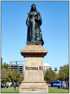 Der Platz wurde am 23. Mai 1837 nach Prinzessin Victoria, Thronfolger des britischen Thron benannt. Weniger als einen Monat später starb der König und Victoria wurde Königin.