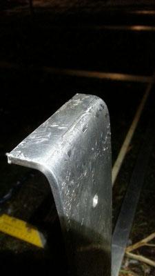 Aluminium ist nur bedingt zum Biegen geeignet und auch aufgrund der Materialeigenschaften würde ich diese Teile in Zukunft aus Stahl bauen.