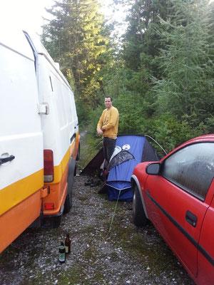 Tim aus Australien ist mit meinem Opel Corsa durch Europa gefahren und trifft uns in Österreich