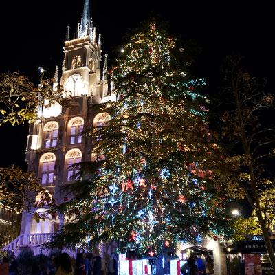 ハウステンボス クリスマスツリー スタッドハウス