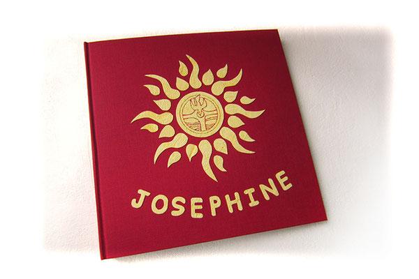 Taufbuch Buchbindeleinen rot Applikationen gelb Name Taufsymbole Sonne Taube Wasser Hardcover quadratisch 24x24cm 40 Seiten Fotokarton weiß