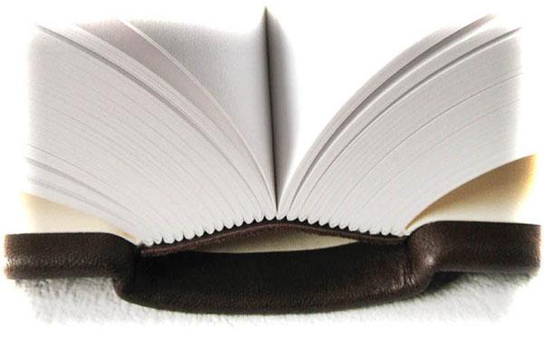 Echtleder Hardcover Buch A4+ Buchblock hochwertige Fadenheftung von Hand 500 Seiten 130g Zeichenpapier naturweiß Buchblock gerundet auf Hülse eingehangen