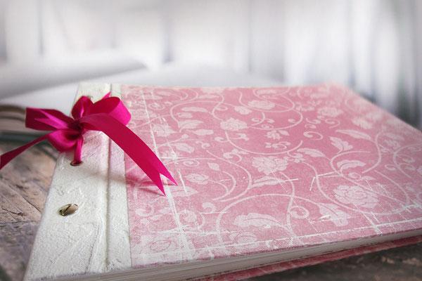 Schraubalbum Hardcover Papiereinband Vintage-Papier floral rosa weiß