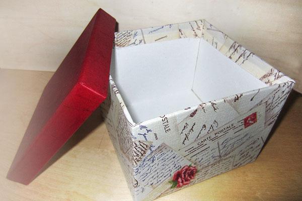 Stoffbezogener Karton zur Aufbewahrung von Erinnerungsstücken - Formate und Stoff nach Wunsch - Hier Leinenstoff Alte Postkarten