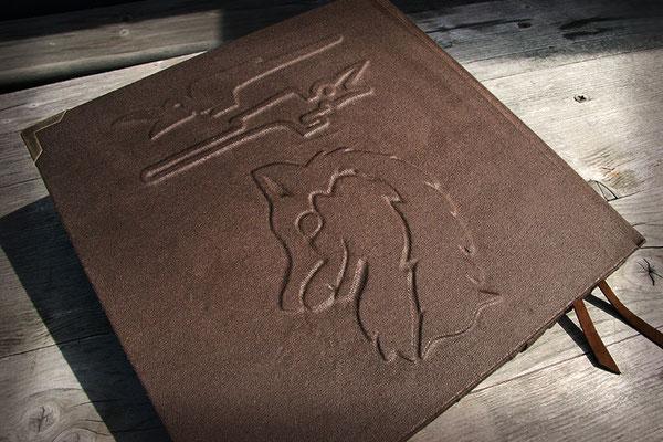 Hochzeitsgästebuch Hochrelief Wappen Bucheinband Lederimitat braun Metallbuchecken antikmessingfarben Hardcover quadratisch 21x21cm Buchblock 120 Seiten Künstlerpapier