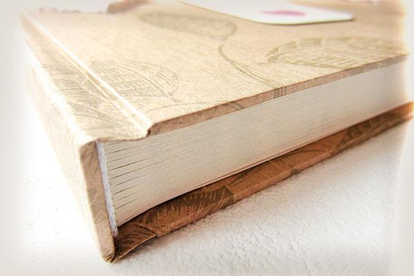 Hardcover Bucheinband Kraftpapier bedruckt Buchblock fadengeheftet beschnitten