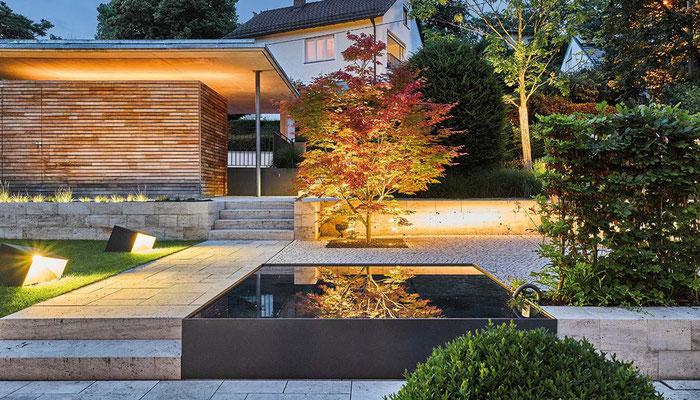 Licht im hochmodernen Garten