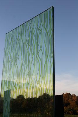 Knumox Glas im Garten