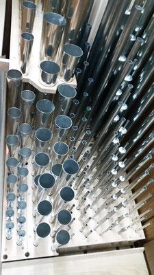 Schwellwerk. Von links: Fagott-Oboe, Trompete, Piccolo, Flauto dolce, Unda maris, Rohrflöte, Viola d'amore