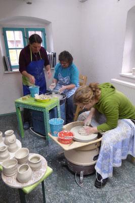 Toepfern für Erwachsene, Senioren und Kinder ,mit Drehen auf der Töpferscheibe, Keramik Auf der Spek