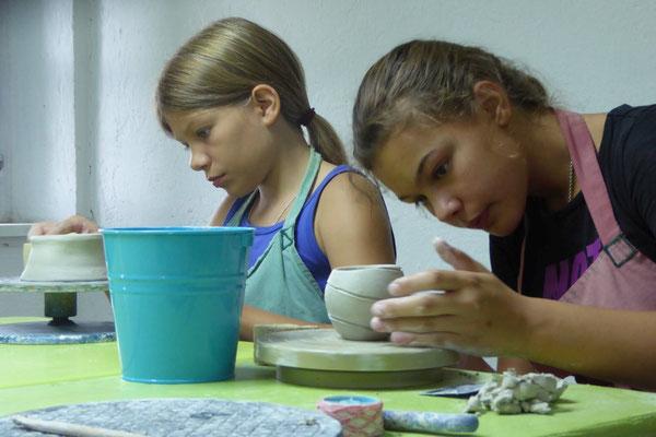 Töpfern für Erwachsene, Senioren und Kinder ,mit Drehen auf der Töpferscheibe, Keramik Auf der Spek