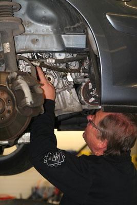 Ihre Fahrzeugreparatur in professionellen Händen - in unserem Kfz-Meisterbetrieb in Rutesheim.