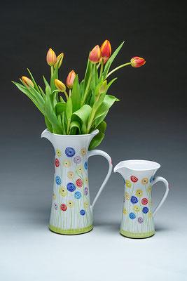 Krüge für Blumen und Getränke