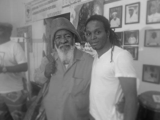 Gatinho Angola com Mestre Bule-Bule (Mestre de Repente)