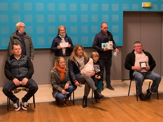 Les gagnants : Romain Sévegrand, Anthony Hurel, Michel Macé, l'épouse de Bertrand Pezavent et Francoise Voisin.