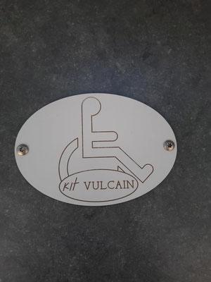 sanitaire pour personne à mobilité réduite