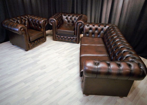galerie neue restaurierte und gebrauchte chesterfield m bel sofas couch sessel original englisch. Black Bedroom Furniture Sets. Home Design Ideas