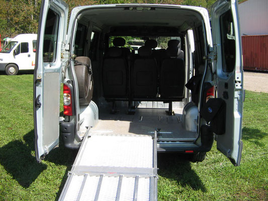 minibus avec chauffeur pour personne handicape