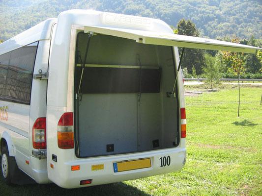 reservation minibus avec chauffeur 31