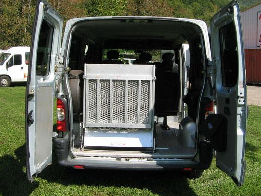 minibus pour personne a mobilite reduite