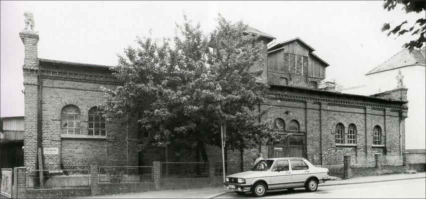 Die Camberger Brauerei in den 1980er Jahren. Rechts neben dem Türmchen ist die Malzdarren zu erkennen.