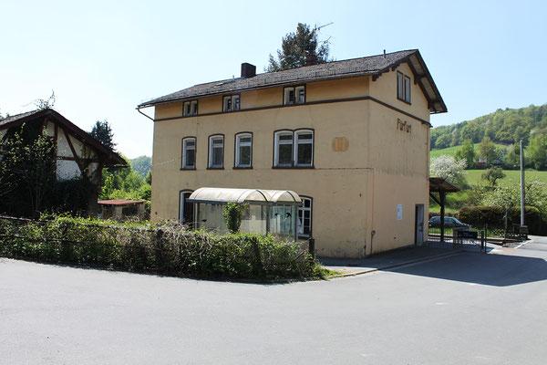 Bahnhof Fürfurt von der Ortsseite
