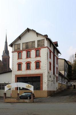 Das Hauptgebäude der Brauerei, Zustand April 2012.
