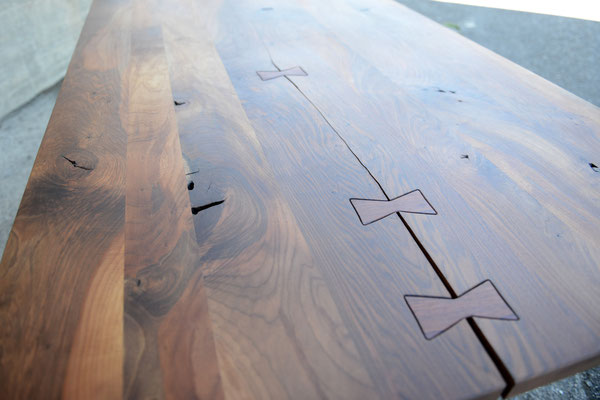 Vergrößerte Ansicht einer Holztisch-Platte
