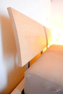 Bett-Lehne aus Holz