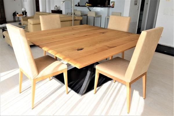 Esszimmer mit Quadratischem Tisch