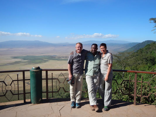 Aussichtspunkt am Ngorongoro Krater / viewpoint on the ngorongoro crater